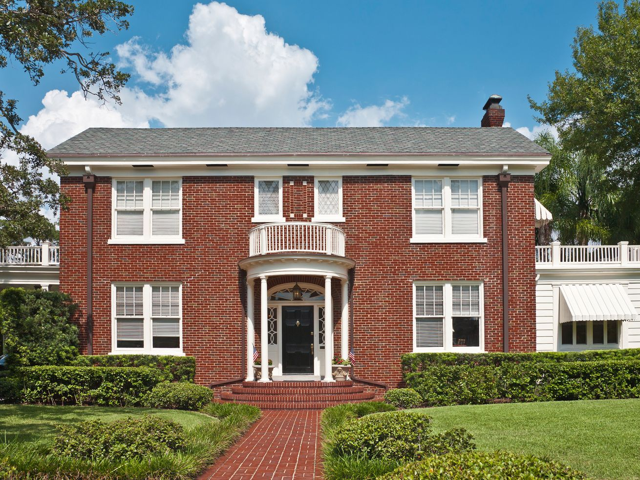 Federal style colonial home