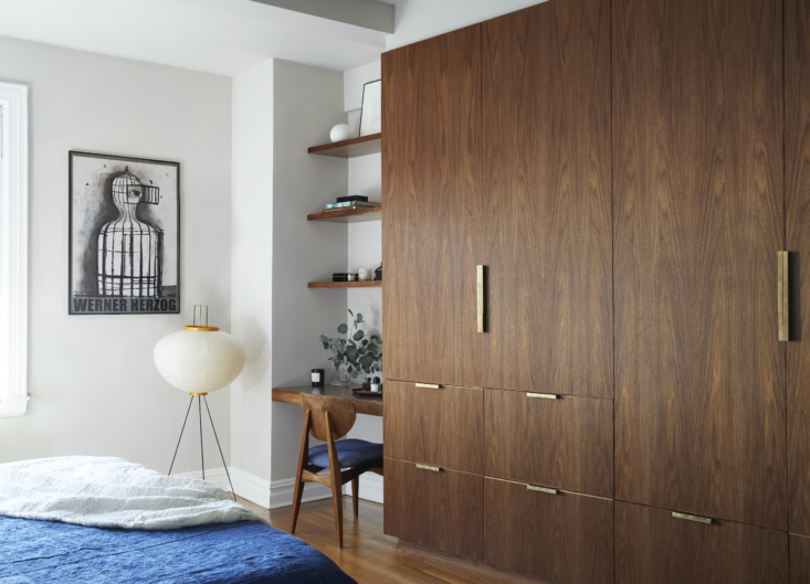 Eastern Parkway Brooklyn Apartment by Frederick Tang Architecture