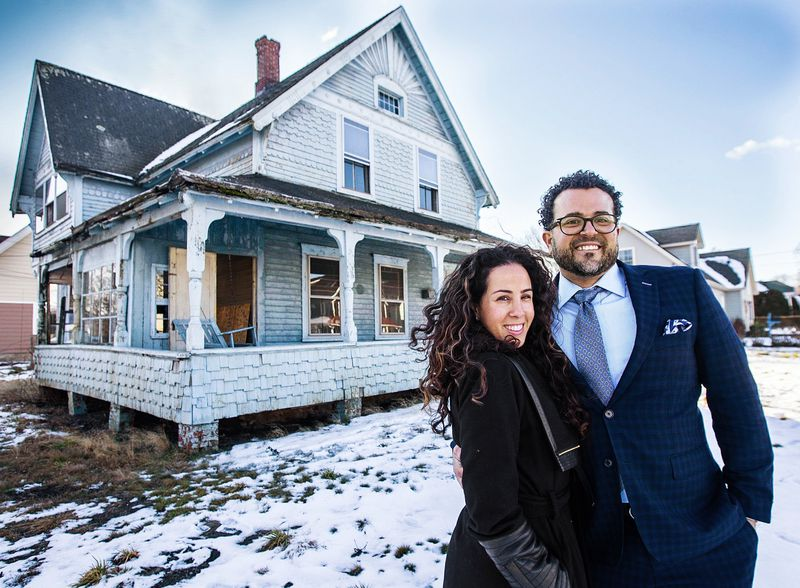homeowners Kassiane and Michael Campopiano, Seaside Victorian Cottage, Queen for a New Day, Nov/Dec 2020