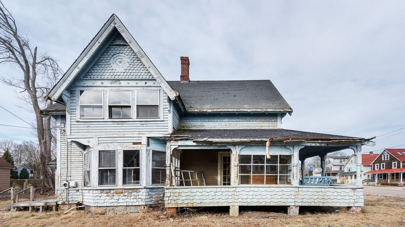 exterior side view, Seaside Victorian Cottage, Queen for a New Day, Nov/Dec 2020